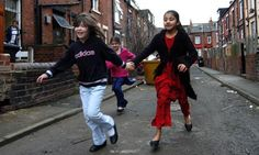 Britain 2013: children of poor families are still left behind