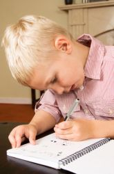 Tips for Teaching a Left-handed Child... i didnt think it was that difficult?! DONT SINGLE US OUT!