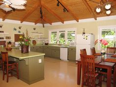 Haena Vacation Rental - VRBO 42664 - 4 BR North Shore House in HI, Haena's Best Beach. Walk to Tunnels. Call for Small Group Discount.