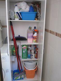 Escobero super practico y f cil de hacer organizaci n pinterest lavaderos muebles de - Ikea armario escobero ...