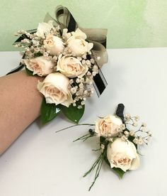 Nude and Black corsage and boutonnière. Prom Corsage And Boutonniere, Wrist Corsage, Prom Hair Updo, Homecoming Hairstyles, Black Corsage, Homecoming Corsage, Prom 2016, Prom Flowers, Prom Photos