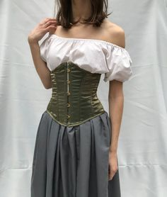 Old Fashion Dresses, Fashion Outfits, Corset Outfit, Renaissance Dresses, Renaissance Festival Costumes, Fantasy Dress, Peasant Blouse, Looks Style, Aesthetic Clothes