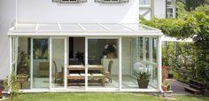 Glasanbauten in Maßanfertigung von Finstral Terrace Design, Patio Design, House Design, Pergola Patio, Backyard, Sun House, Marquise, Screened In Porch, Terrace Garden