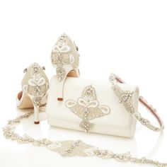 Aurelia_Bridal_Shoes_Bag_And_Accessories_Emmy_London