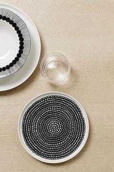 Marimekko Siirtolapuutarha Salad Plate Black/White