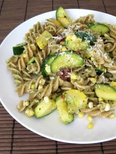 zucchini, corn, bacon pasta with basil pesto and whole wheat fusilli.without the bacon maybe chicken instead Basil Pesto Pasta, Pesto Pasta Recipes, Bacon Pasta, Easy Zucchini Recipes, Easy Dinner Recipes, New Recipes, Healthy Recipes, Favorite Recipes, Healthy Foods