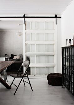 Sliding doors as a room divider - more privacy in the small apartment - Interior Design ♡ Wohnklamotte - House Design, Interior Spaces, Interior Design, House Interior, Interior Barn Doors, Home, Interior, Indoor Sliding Doors, Doors Interior