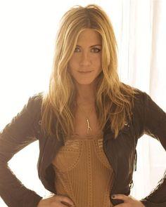jenn aniston 23 Jennifer Aniston is 44 today and she hasnt aged a bit (25 photos)