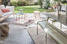 5 idées à piquer à cette terrasse couverte très déco - Côté Maison Outdoor Furniture Sets, Outdoor Decor, Home Decor, Courtyards, Terraces, Outdoor Carpet, Decoration Home, Room Decor, Home Interior Design