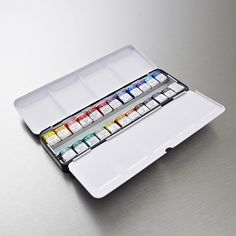 Buy Winsor & Newton Professional Watercolour Set of 24 from Cass Art: The Winsor & Newton Artists' Water Colour Lightweight Metal Box 24 Half Pan Set is the ultimate choice at amazing value. Get the best price online and in store. Watercolor Pans, Watercolor Paint Set, Watercolor Pallet, Windsor Newton, Winsor And Newton Watercolor, Online Painting, Painting Tools, Metal Box, Acrylic Colors