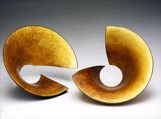 Hervé Wahlen - Stabilité (1998)  Représenté par la galerie Michel Giraud / Paris Herve, Metal Sculptures, Michel, Symbols, Paris, Contemporary, Jewelery, Icons