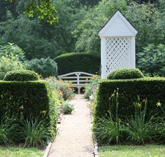 A Colonial Garden · Colonial WilliamsburgLandscape Designs
