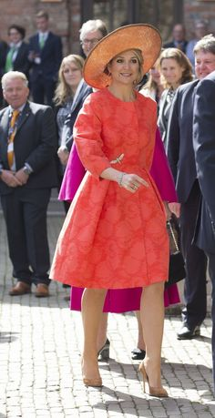 Queen Maxima Photos - Queen Maxima of The Netherlands arrives to attend the Four Freedoms Awards on April 2016 in Middelburg Netherlands. - King Willem-Alexander & Queen Maxima of the Netherlands Attend Four Freedoms Awards Gala Dresses, Nice Dresses, Four Freedoms, Dutch Queen, Princesa Real, Style Royal, Estilo Real, Wide Brimmed Hats, Royal Red