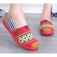 reputable site fa402 1c769 Coolfar mujeres pisos 2016 zapatos de la mujer zapatos de lona punta  redonda Multicolor impreso mujeres zapatos de Ballet zapatos casuales  zapatos de mujer