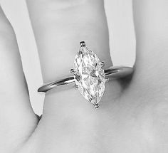 1.00 CARAT MARQUISE DIAMOND SOLITAIRE ENGAGEMENT RING 14K WHITE GOLD