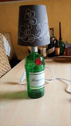 EIne Lampe aus einer Schnapsflasche - sieht schwieriger aus als es tatsächlich ist! Probiert es aus bei Hand im Glück :)
