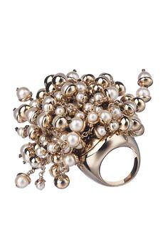 explosion of pearls cluster via Christian Dior. Pretty