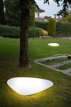 portable garden lamp STONE OUT by J.Puig & J. portable garden l Backyard Lighting, Outdoor Lighting, Lighting Ideas, Modern Landscaping, Backyard Landscaping, Hydrangea Landscaping, Landscape Lighting Design, Low Maintenance Landscaping, Contemporary Floor Lamps