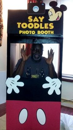 Mickey Mouse Birthday Party Photo Booth / Pictorial Booth
