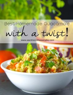 All the tips to making The Best Homemade Guacamole with a Twist that is delicious, full of flavour, easy to make at home and has a little hint of spice! Gluten Free Drinks, Gluten Free Appetizers, Healthy Gluten Free Recipes, Foods With Gluten, Gluten Free Cooking, Fresh Guacamole, Homemade Guacamole, Appetizer Salads, Great Recipes