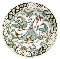 An Iznik polychrome pottery dish with birds, Turkey, circa 1600 | Lot | Sotheby's