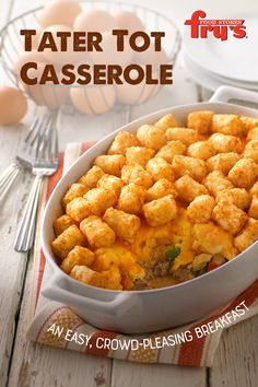 Sausage and veggies in a creamy sauce, topped with eggs, cheese and a crispy layer of tater tots – breakfast is served. Tater Tots, Tater Tot Casserole, Casserole Dishes, Casserole Recipes, Tater Tot Breakfast, Breakfast Bake, Breakfast Recipes, Breakfast Casserole, Breakfast Ideas