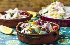 Pastasalat med kyllingkjøtt | www.greteroede.no | Oppskrifter | www.greteroede.no Salad Dressing, Camembert Cheese, Acai Bowl, Bacon, Salads, Breakfast, Dressings, Weight Loss, Food