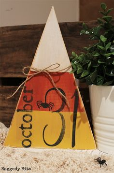 Day 4 of the Haloween 5 Day Decorating Challenge.Today I'm sharing how to make a Wooden Halloween October Candy Corn Sign. Fall Wood Crafts, Halloween Wood Crafts, Halloween 5, Halloween Projects, Holidays Halloween, Holiday Crafts, Halloween Table, Vintage Halloween, Halloween Makeup