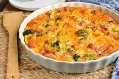 Syn Free Ham and Broccoli Quiche Slimming Eats Syn Free Crustless Ham and Broccoli Quiche – gluten free, Slimming World and Weight Watchers friendly Breakfast For A Crowd, Breakfast Buffet, Best Breakfast, Breakfast Quiche, Breakfast Recipes, Ham And Broccoli Quiche, Ham And Cheese Quiche, Cheddar Cheese, Slimming World Quiche