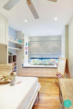 Scandinavian themed bedroom with a bay window. #baywindow #scandinavian