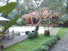 Javanesse themed resto with garden and swimming pool