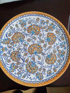 #Çini #elsabatlari Painted Ceramic Plates, Ceramic Painting, Ceramic Art, Persian Motifs, Candle Box, Blue Pottery, Updated Kitchen, Tile Art, Tile Patterns