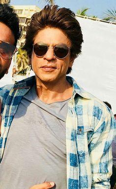 I Love You Shahrukh. Best Hero, Sr K, King Of Hearts, Alia Bhatt, Bollywood Actors, Shahrukh Khan, No One Loves Me, Heroines, Mazda