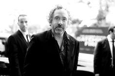 Tim Burton Cannes http://www.vogue.fr/sorties/on-y-etait/diaporama/dans-les-coulisses-de-cannes-jour-4-5-lea-seydoux-karl-lagerfeld-tahar-rahim/13331/image/755567#!tim-burton-cannes