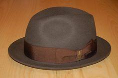 Borsalino Rain-Proof Hats  Made in Italy  Elaboración De Sombreros ff12dadcea3