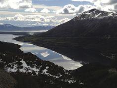 Ushuaia, Tierra del Fuego. Scouting de locaciones. Día 2,  El imponente Lago Fagnano. Donde el cielo se mira al espejo..