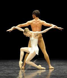 Alicia Amatriain and Jason Reilly in John Cranko's 'Opus 1', Stuttgart Ballet.