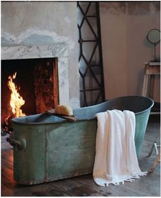 Autumn Interior Design and Decoration Inspiration x home-design. Interior Stylist, Interior Design, Baños Shabby Chic, Copper Tub, Live In Style, Decoration Inspiration, Inspiration Boards, Autumn Inspiration, Writing Inspiration