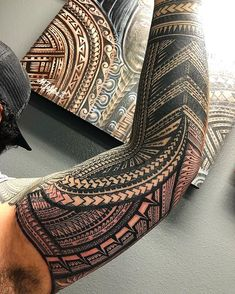 beautiful Samoan styled tattoo by Dennis Mata'afa Tribal Forearm Tattoos, Tribal Sleeve Tattoos, Geometric Tattoo Arm, Japanese Sleeve Tattoos, Body Art Tattoos, Buddha Tattoos, Tattoo Ink, Hand Tattoos, Chinese Tattoos