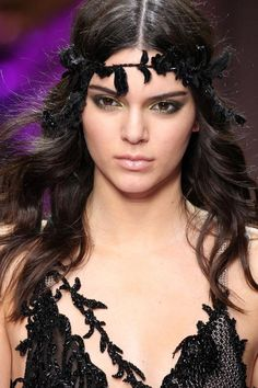 Kendall Jenner's colorful eye makeup at Versace Couture 2015