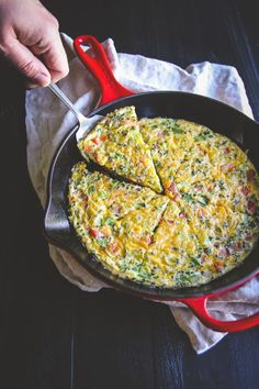 Have an amazingly delicious and healthy breakfast by making this 5 ingredient vegetable frittata which is full of fresh flavors and takes only 15 minutes to make! Happy Five-Ingredient Friday everyone, can we collectively say TGIF?! It's been one of THOSE weeks with non-stop everything. Probably because it was a short work week (how was […]
