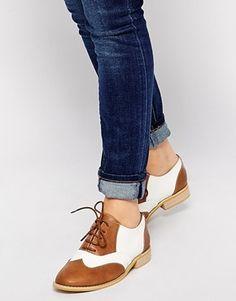 Enlarge London Rebel Monty Contrast Lace Up Flat Shoes