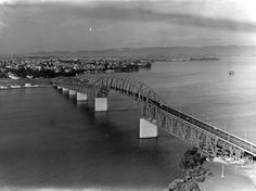 The Auckland Harbour Bridge encouraged so much vehicle traffic across the Waitematā that it had to be widened within a decade of opening. Nz History, History Online, My Family History, Auckland New Zealand, A Decade, Historical Photos, Once Upon A Time, Buses, Bridges