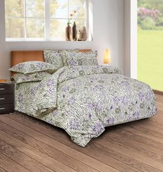 With over 100 years of legacy, offers an online shop for luxury bed & bath linen made of finest quality Egyptian cotton in high thread count, made in India. Bath Linens, Bed, Bedding Sets Online, Home Decor Online, Bed Linens Luxury, Linen Bedding, Home Decor, Textured Walls, Purple Bedding Sets