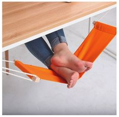 This unique hammock design replaces that extra chair you use to prop your feet up. The foot rest is a desk hammock designed specifically for resting your feet. It hooks onto either side of any desk with two metallic clips. You can adjust the length of the the rope from 200 mm to ... http://arideinfra.com/