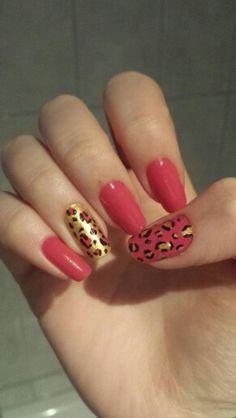 #nail #nails #nailart #pink #gold