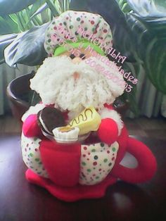 teteras navideñas - Buscar con Google Christmas Crafts, Christmas Decorations, Christmas Ornaments, Holiday Decor, Christmas Sewing Patterns, Soft Sculpture, Tea Party, Sewing Crafts, Decoupage