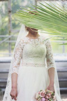 Bride of April Lace Wedding, Wedding Dresses, Journal, Bride, Fashion, Bride Dresses, Wedding Bride, Moda, Bridal Gowns