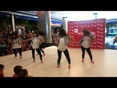 Actuación de Little Dolls, ganadoras del I Concurso Coreográfico Marineda City.