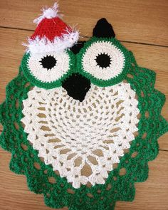 Artesanato de Natal: 100 ideias para decorar, presentear ou vender Crochet Earrings, Elsa, Christmas Tree, Holiday Decor, Jewelry, Angel, Christmas Rugs, Christmas Crafts, Bathroom Mat